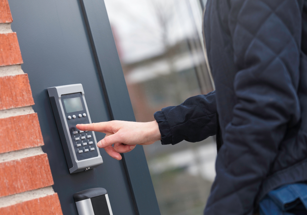 keyless entry system for commercial locksmith